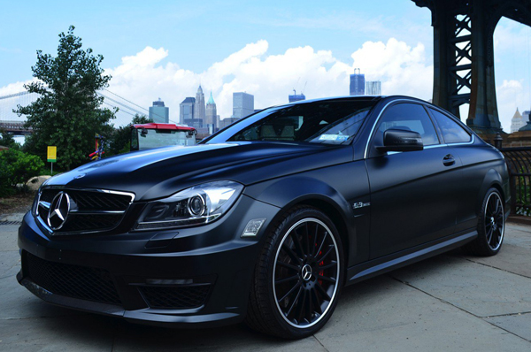 Mercedes C63 Dark Knight Portfolio от Mode Carbon